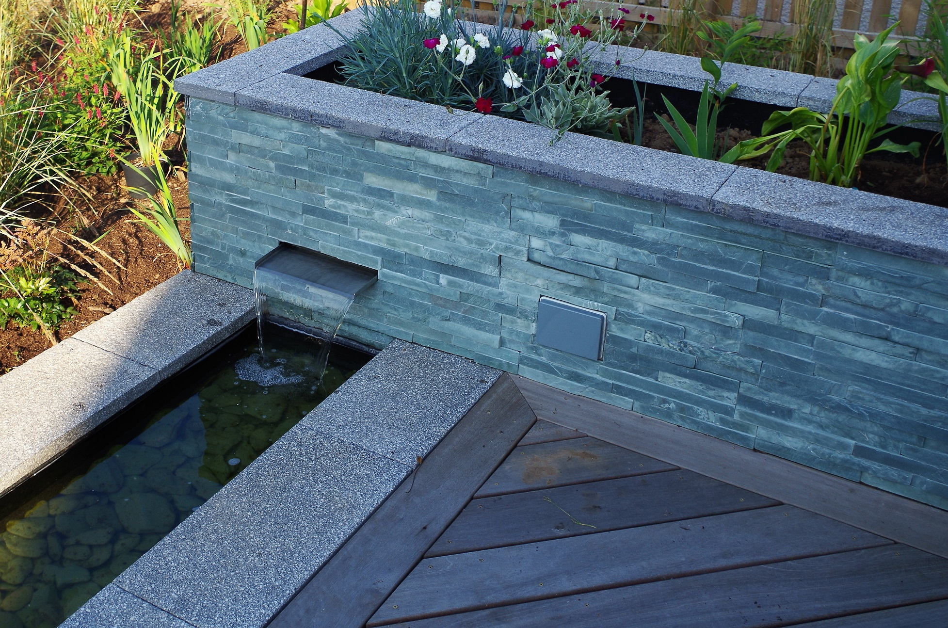 water features design rill garden jeremy needham garden designs. Black Bedroom Furniture Sets. Home Design Ideas